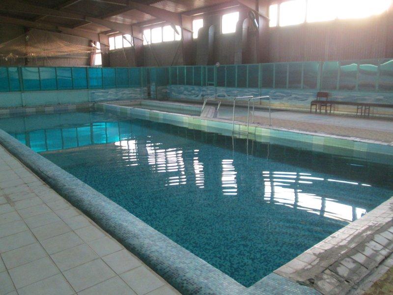 И бассейн