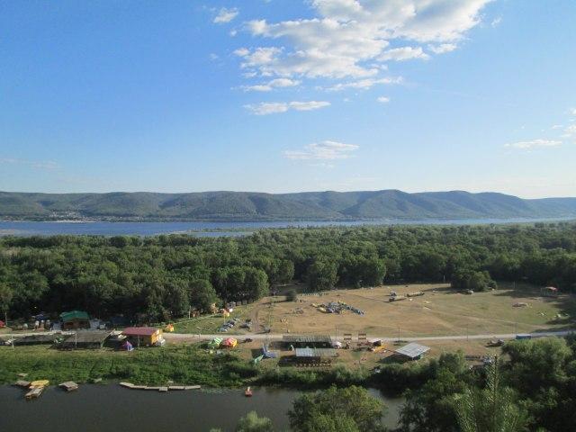 Вид на фестивальную поляну сверху