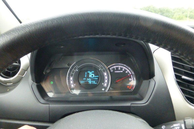 Обратно мы ехали днем и смогли разогнать Ховера до 176 километров в час