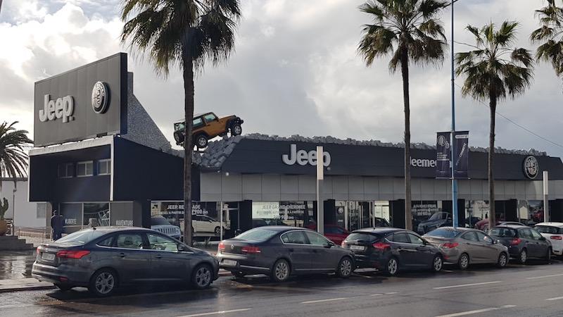 Очень крутая инсталляция от Jeep