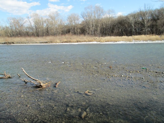 Парк заканчивается на берегу реки Зеленчук