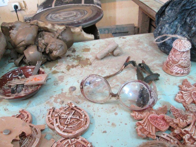 Рабочее место художника по глине