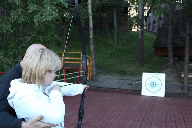 Практически в течение всего дня можно было научиться стрелять из лука
