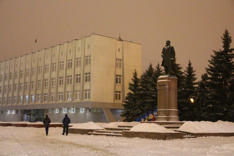 Естественно, есть Ленин