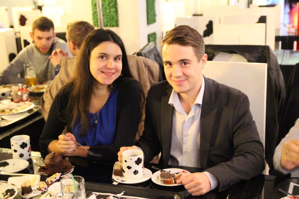 Артем с дамой