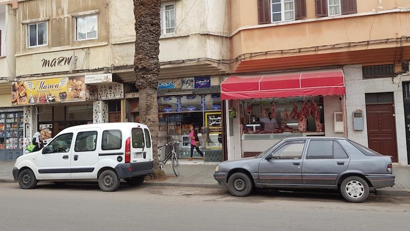 Торговые лавки, в которых местные покупают еду