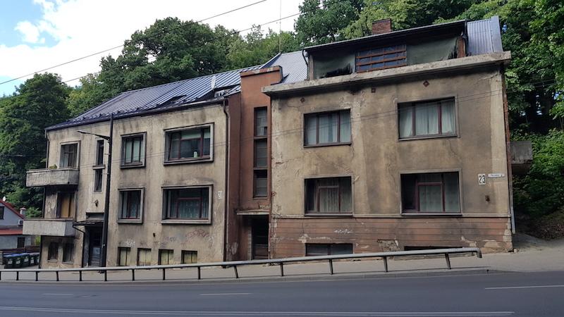 Конечно, жить я бы в таком доме не хотел