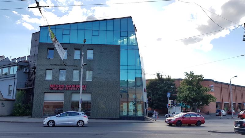 Еще один пример современных вписанных в старые районы зданий, которые очень мне нравятся