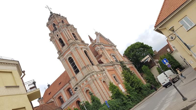 Очень много различных церквей и храмов